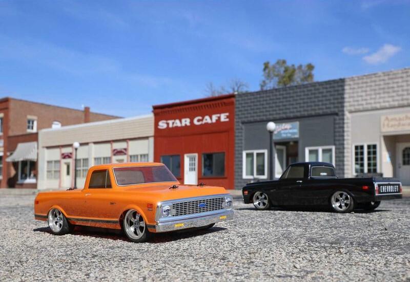 1/10 1972 Chevy C10 Pickup Truck V100 AWD RTR both